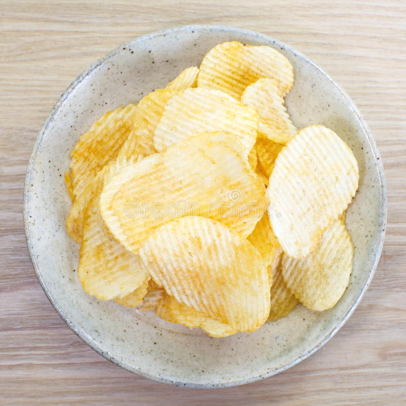 Kartoffelchips stockfotos