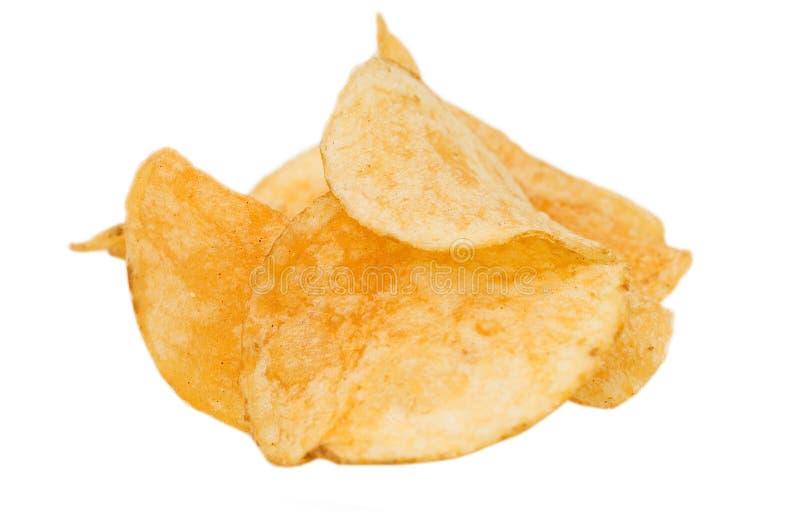Kartoffelchips getrennt auf weißem Hintergrund stockfotografie