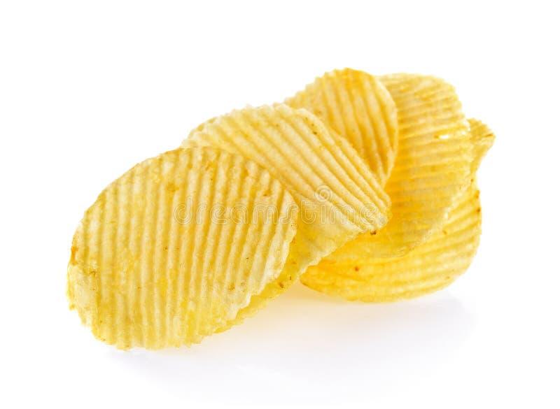 Kartoffelchips getrennt auf weißem Hintergrund lizenzfreies stockbild