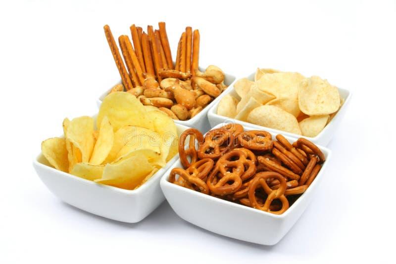 Kartoffelchips und Imbisse stockfoto
