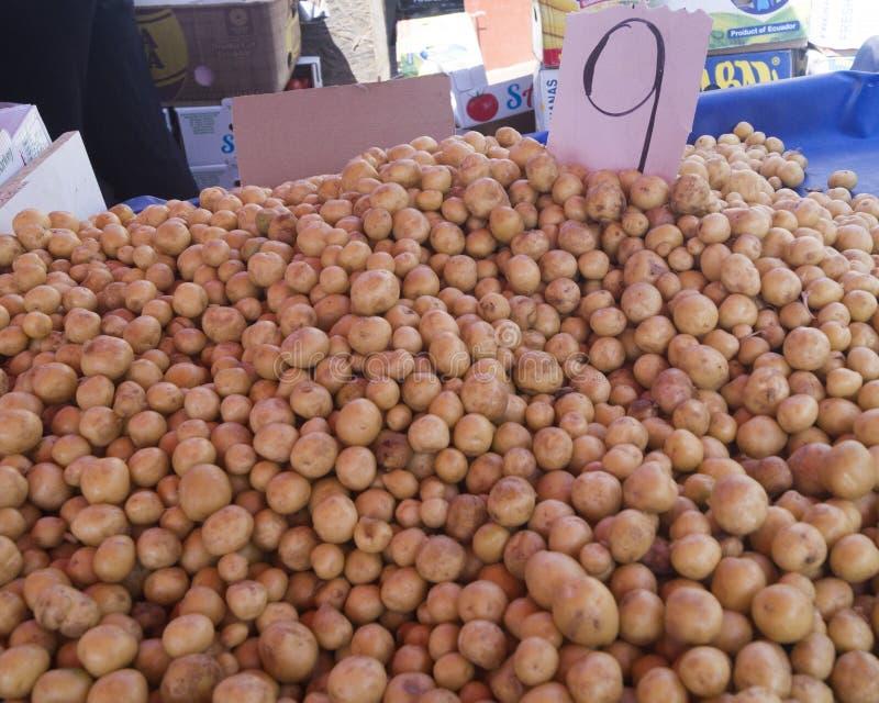 Kartoffeln des zentralen Marktes lizenzfreie stockbilder
