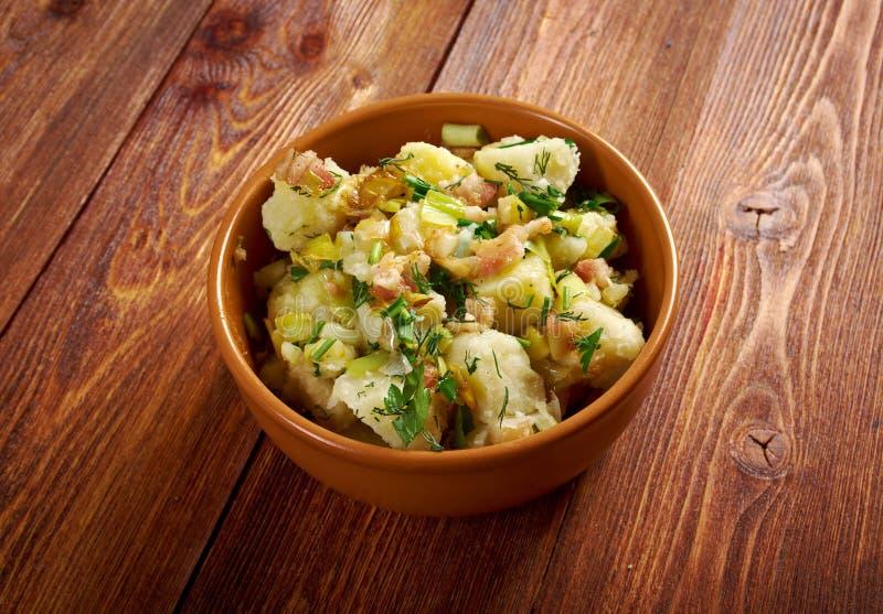 Kartoffelsalat foto de archivo