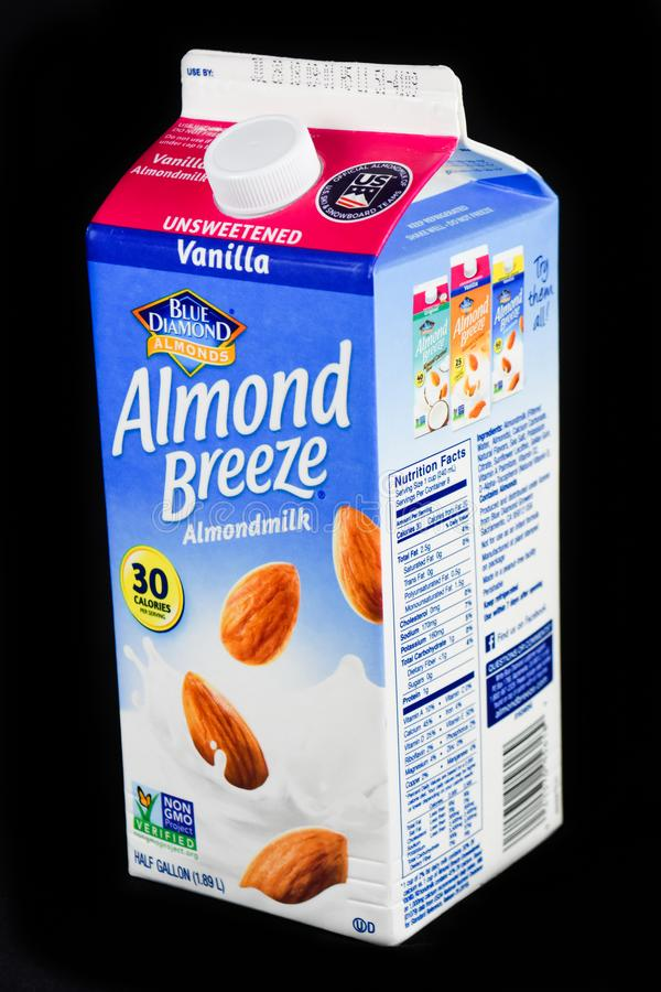 Karton van Blauw Diamond Unsweetened Vanilla Almond Milk royalty-vrije stock foto's