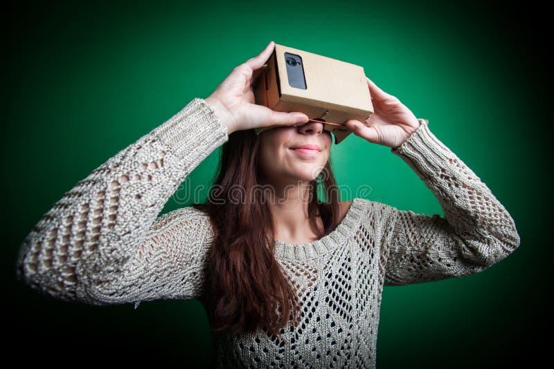 Karton virtuele werkelijkheid stock foto's