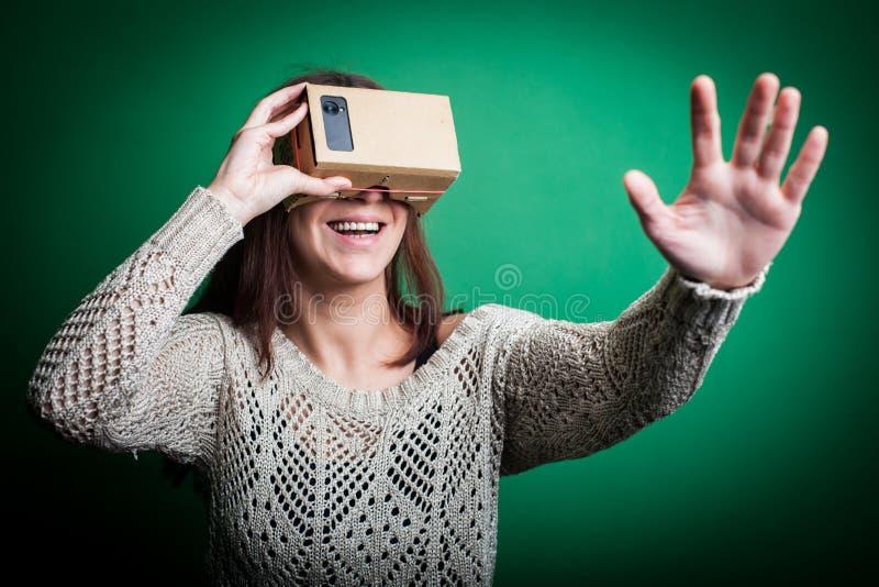 Karton virtuele werkelijkheid stock foto