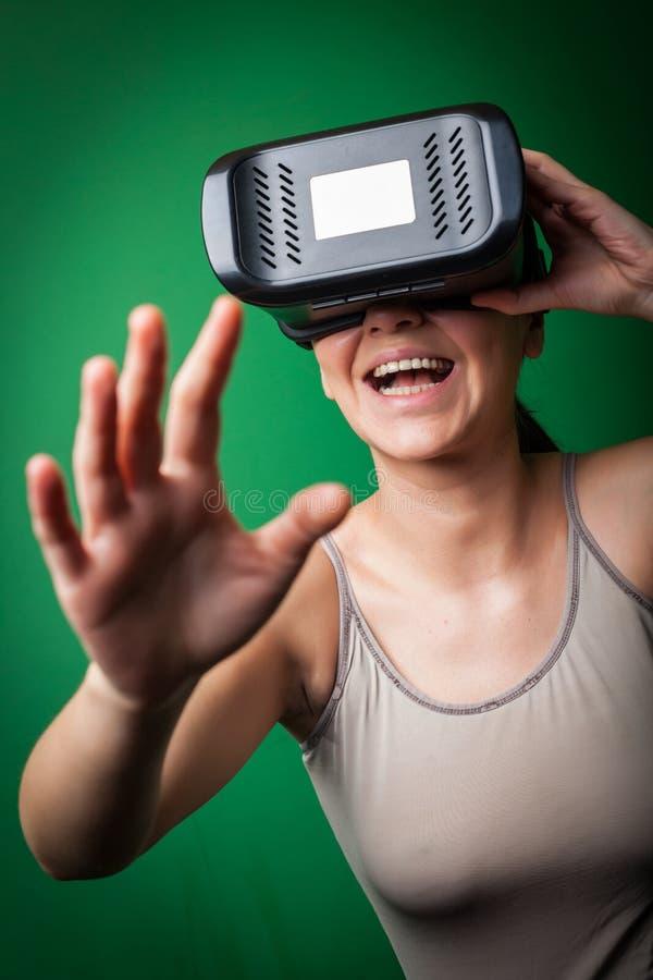 Karton virtuele werkelijkheid royalty-vrije stock afbeeldingen
