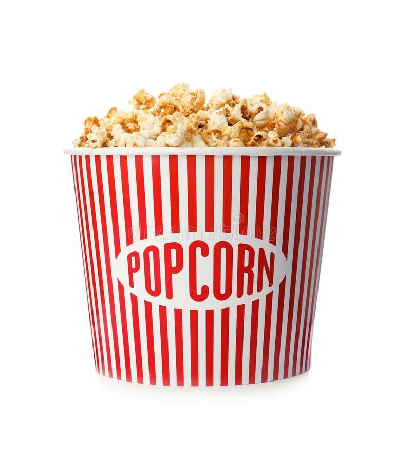 Kartoneimer mit köstlichem frischem Popcorn stockbild