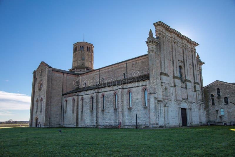 Kartuzja?ski monaster lokalizowa? w obrze?ach Parma w W?ochy: Opactwo Valserena zdjęcie stock