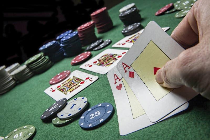 Karty wygrywają grę z dwa as obrazy stock