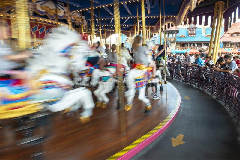 Karusell Disney World, lopp, magiskt kungarike royaltyfri bild