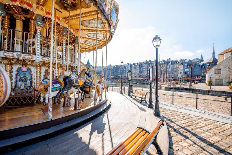 Karusell i den Honfleur staden, Frankrike royaltyfria bilder