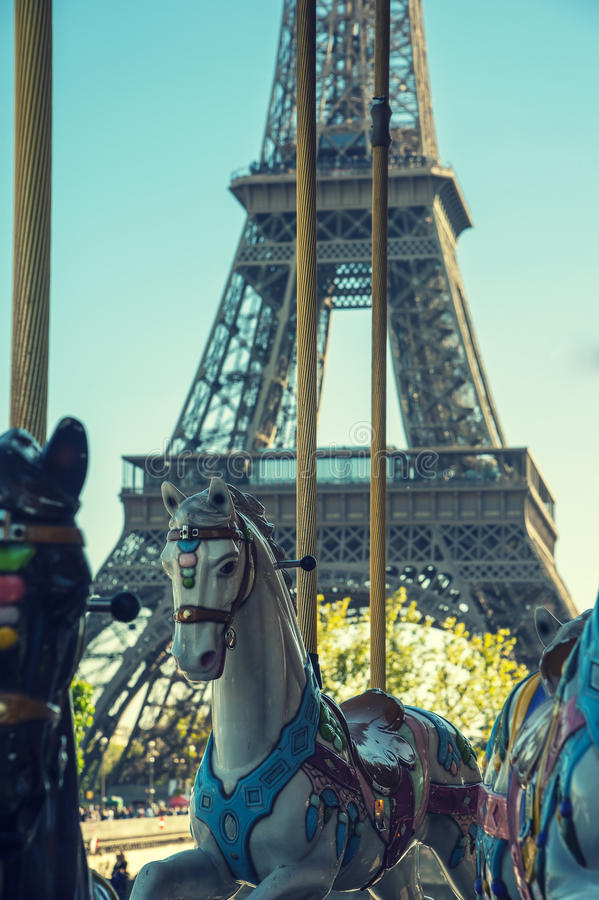 Karusell i Paris fotografering för bildbyråer