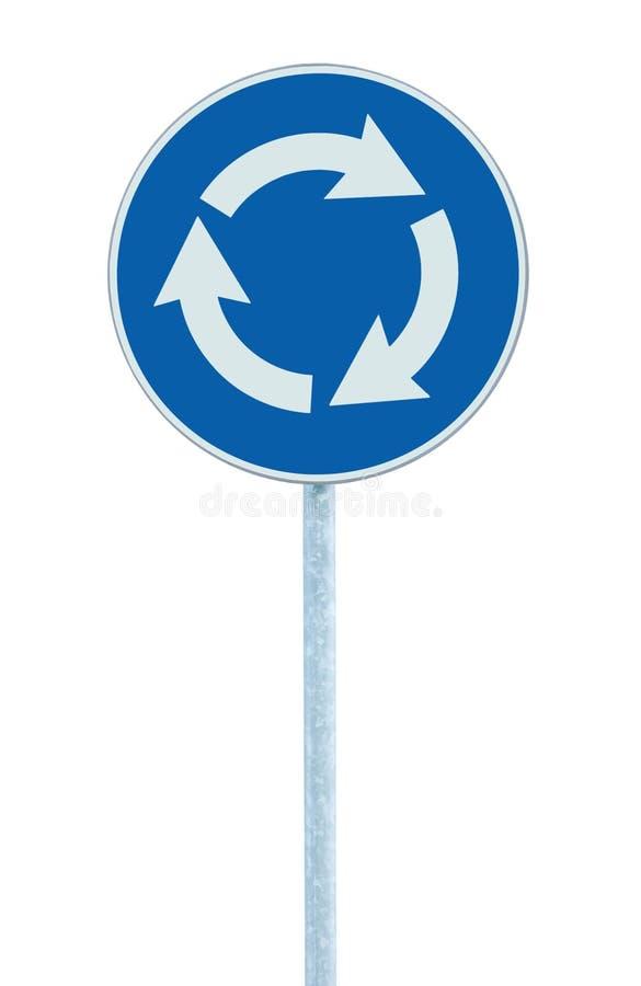 Karussellkreuzungsstraßen-Verkehrszeichen lokalisiert, Blau, weiße Pfeile, die linke Hand, große ausführliche Nahaufnahme zeigen stockfotos