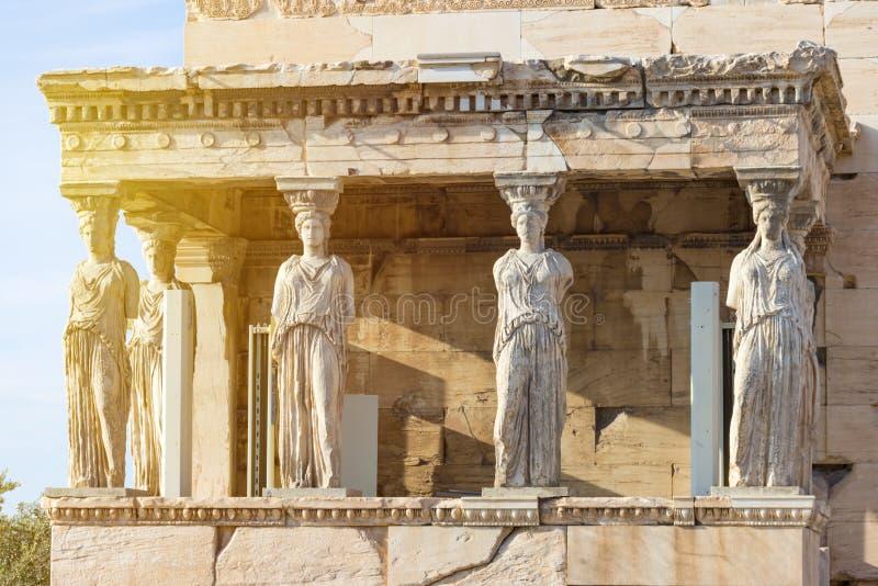 Karyatiderna av Erechtheionen i akropol, Aten Grekland royaltyfri fotografi