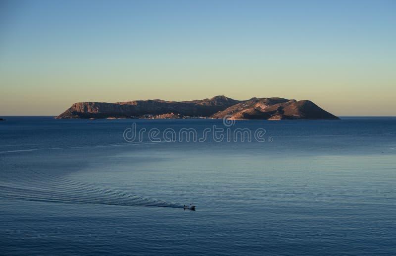 Download 从Kas看见的Megisti逃出克隆岛,土耳其 库存照片. 图片 包括有 旅行, 海岸, scotching的 - 62530868