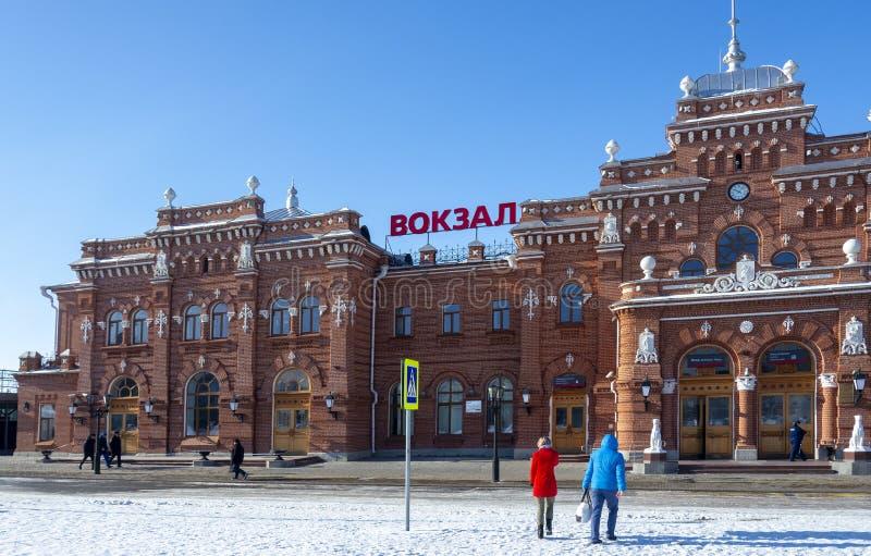 Kasan, Russland, am 1. März 2015: Bahnhof alter Ziegelstein Kasans stockbild