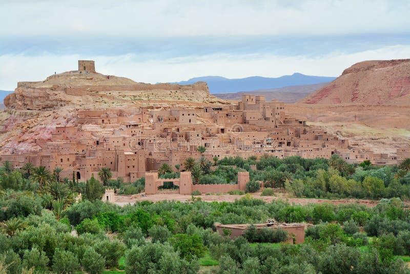 Kasbah Ait Ben Haddou στα βουνά ατλάντων του Μαρόκου στοκ φωτογραφία