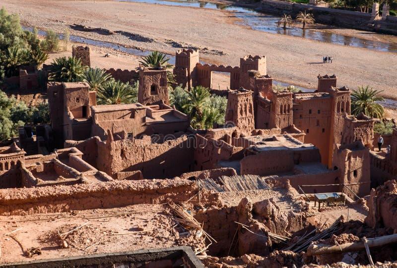 Kasbah Ait Benhaddou στα βουνά ατλάντων του Μαρόκου στοκ φωτογραφία
