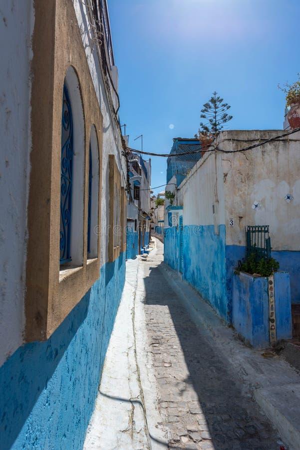 Kasbah des oudayas w Rabat, błękitne ulicy zdjęcia stock