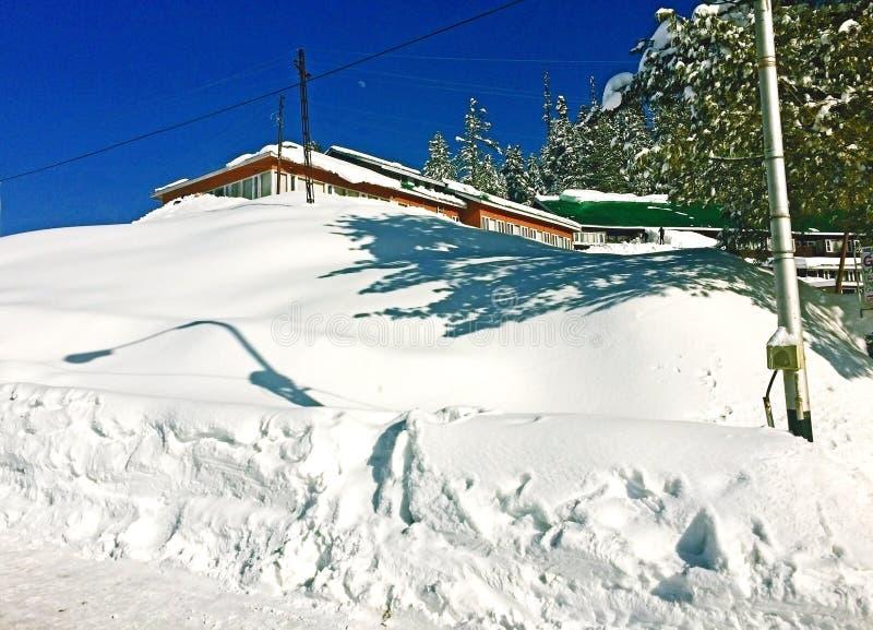 Kashmir: immagini prive di snowfall nel mare fotografia stock libera da diritti