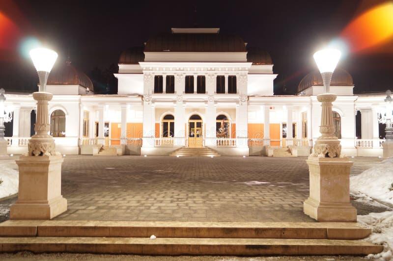 Kasino i natten Cluj Napoca arkivfoton
