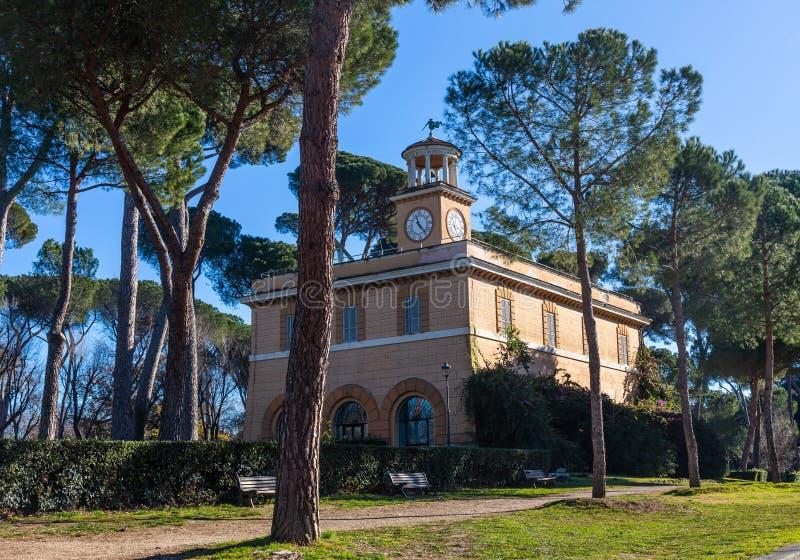Kasinodell'Orologio byggnad i villan Borghese parkerar i Rome, Italien royaltyfria foton