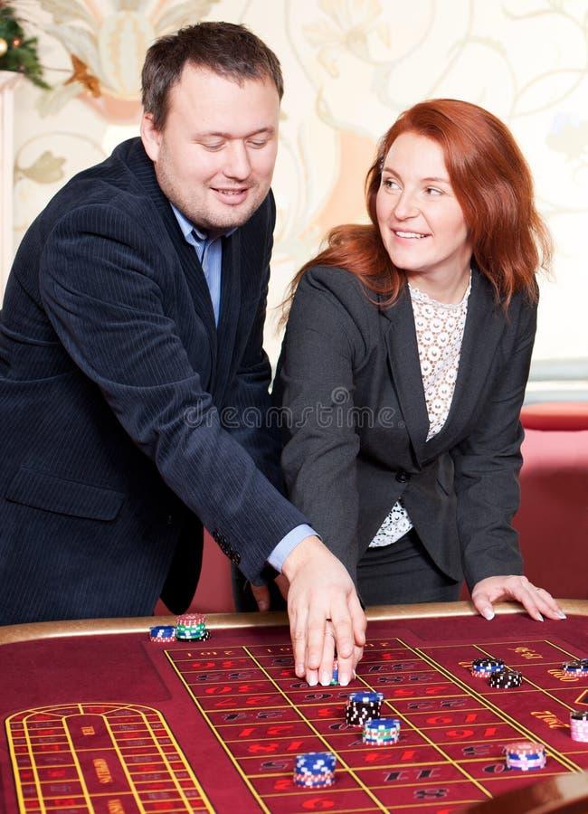 kasinogruppfolk royaltyfri foto