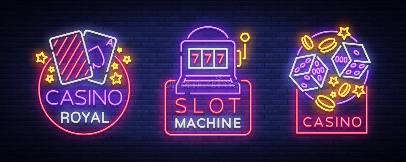 Kasinot är en uppsättning av neontecken Samling av neonlogoenarmade banditen som spelar emblemet, den ljusa banerneonkasinot för stock illustrationer