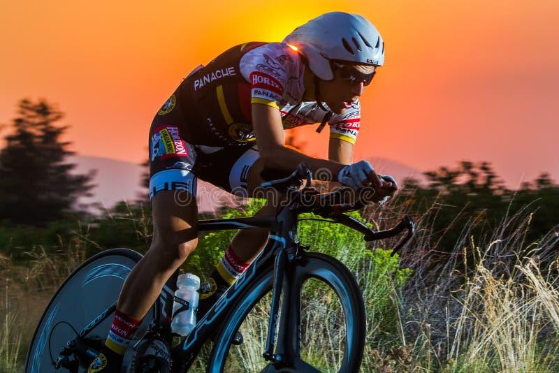 Kaskad som 2014 cyklar det klassiska vägloppet royaltyfri foto