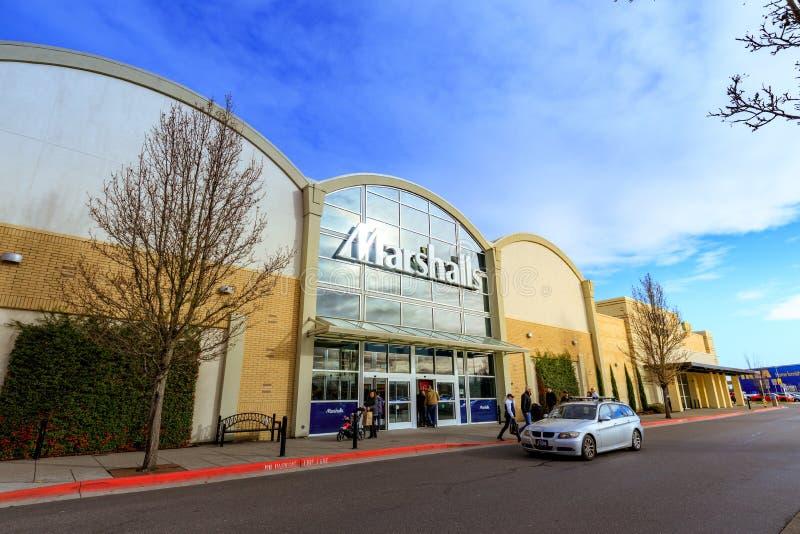 Download Kaskaden-Stations-Einkaufszentrum Am Regnerischen Tag Es Ist In N Redaktionelles Bild - Bild von kaskade, städtisch: 106800230
