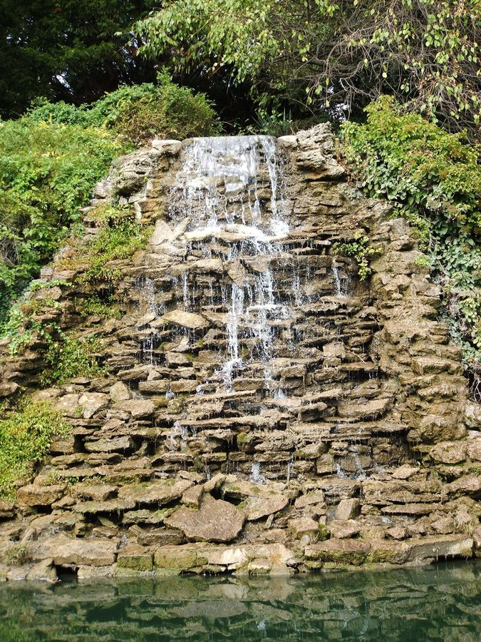 Kaskadierenwasserfall stockfoto