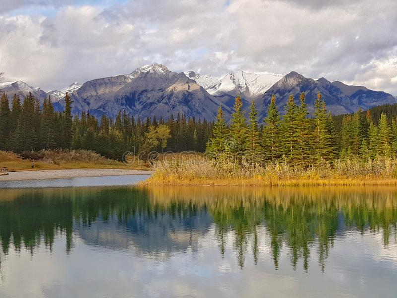 Kaskadowi stawy w Kanada zdjęcie royalty free