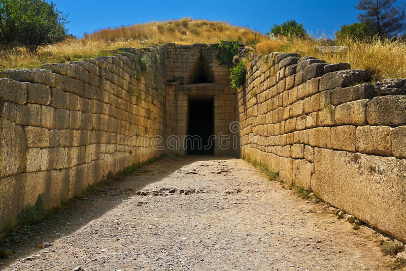 Kassa av Atreus, Mycenae royaltyfri fotografi