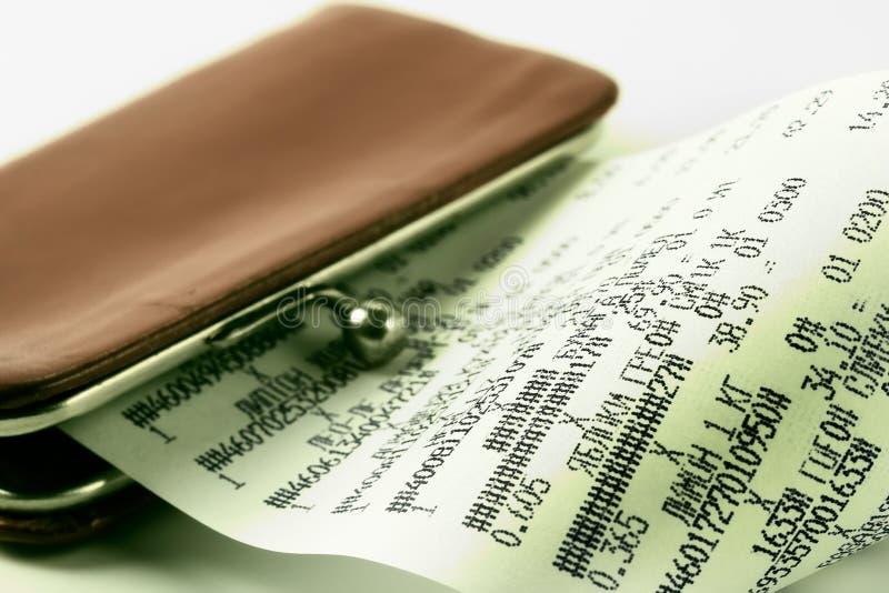 Kasseneingang auf Hintergrund eines Fonds lizenzfreies stockbild