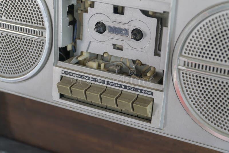 Kassettenrecorder-Silberblick-Klassikerinnenansicht lizenzfreie stockfotografie