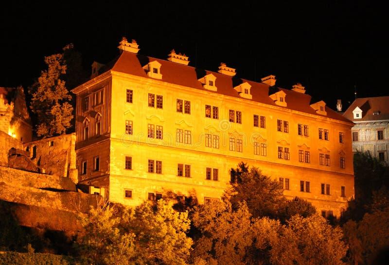 Kasteel bij nacht, cesky krumlov, Tsjechische republiek stock foto's