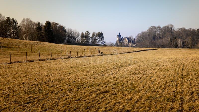 Kasteel dichtbij Weilheim Beieren Duitsland stock foto's