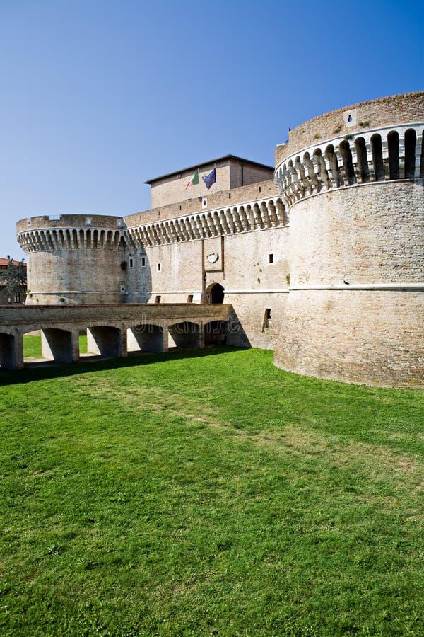 Kasteel in Italië - Rocca Roveresca stock afbeelding
