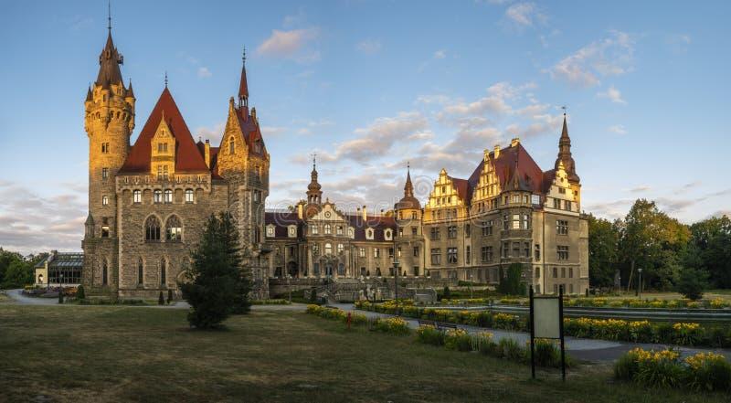 kasteel in Moszna stock foto's