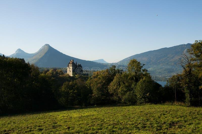 Kasteel van Menthon, dichtbij Annecy meer, Frankrijk stock afbeeldingen