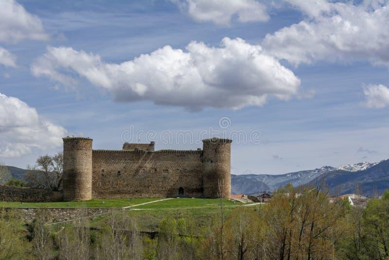 Kasteel van Valdecorneja stock afbeeldingen