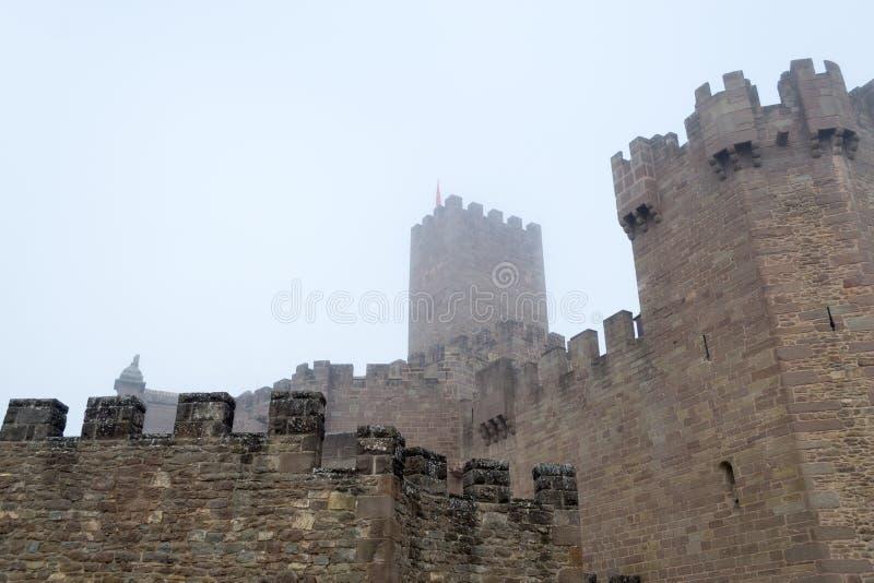 Kasteel van Xavier op een mistige dag (Spanje) royalty-vrije stock fotografie