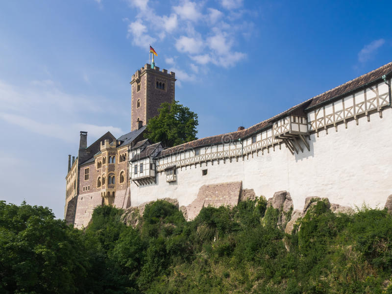 Kasteel Wartburg dichtbij aan stad Eisenach in Duitsland stock fotografie