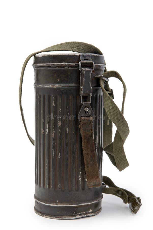 Kasten für deutsche Truppen Wehrmacht, zweiter Weltkrieg der Gasmaske auf Weiß stockbilder