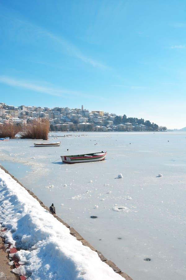 Kastoria nell'inverno fotografia stock