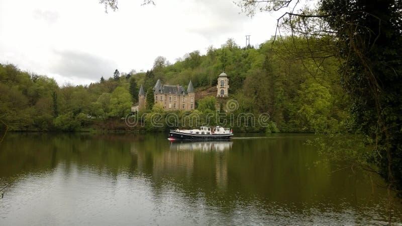 Kasztel houseboat w i Flie Liverdun wydziałowym meurthe Moselle i obrazy stock