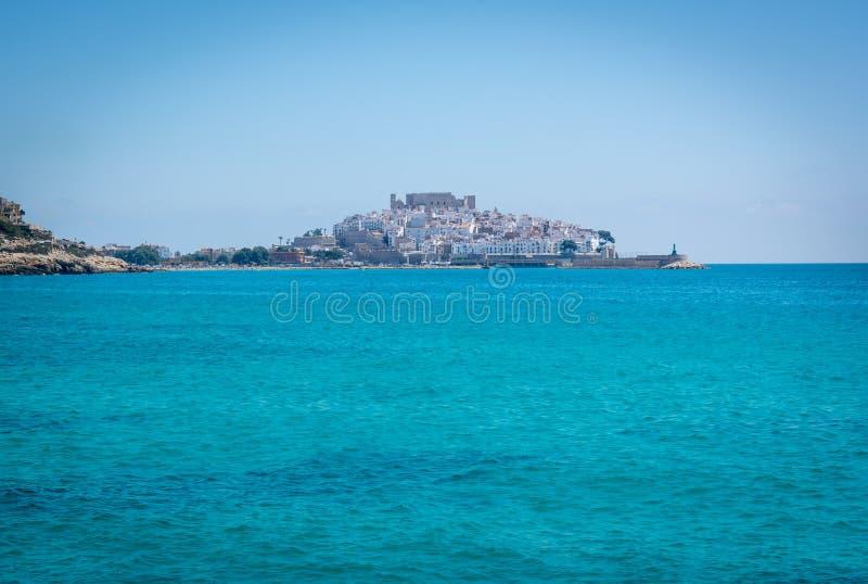 Kasztel Peniscola i morze śródziemnomorskie w Hiszpania, zdjęcia royalty free