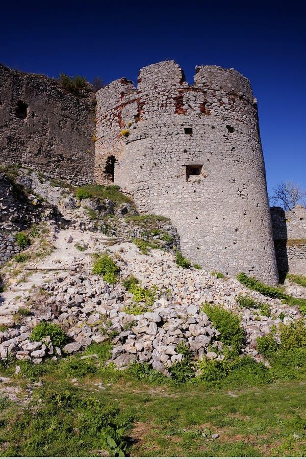 Download Kasztel ruiny (2) obraz stock. Obraz złożonej z slovak - 28962149