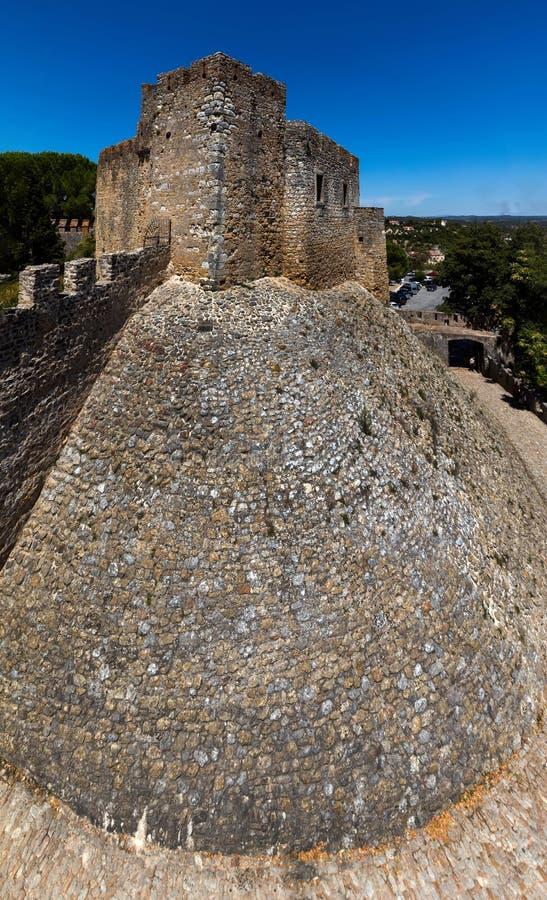 Download Kasztel Rycerza Templariusz W Tomar, Portugalia Zdjęcie Stock - Obraz złożonej z fort, szczyt: 106918442