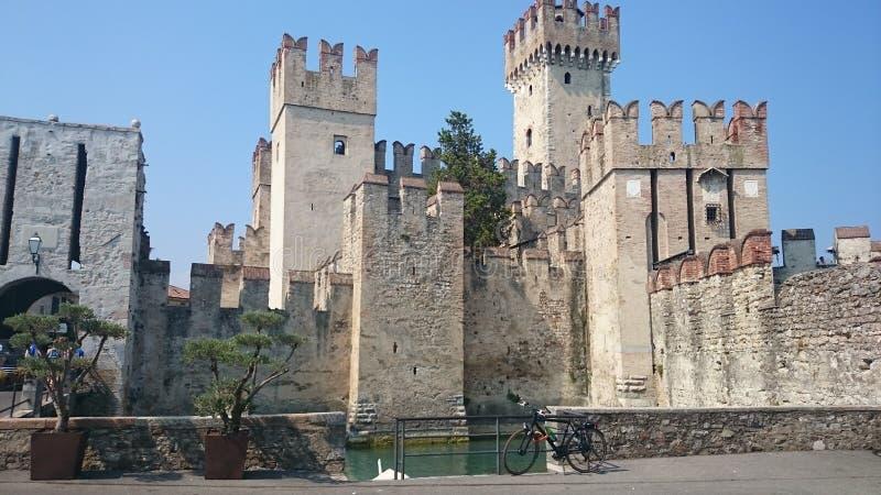 Kasztel W Sirmione Jeziorny Garda Włochy obraz royalty free